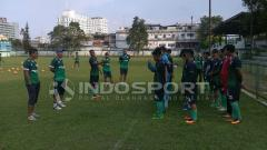 Indosport - Para pemain PSMS Medan saat menjalani latihan.