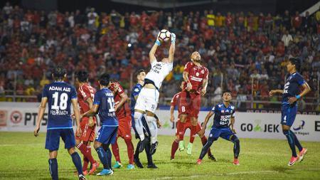 Arema FC saat kalah 0-2 dari Semen Padang. - INDOSPORT