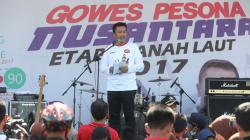 Imam Nahrawi saat memberikan pidato di acara Gowes Pesona Nusantara di Kabupaten Tanah Laut, Kalimantan Selatan.