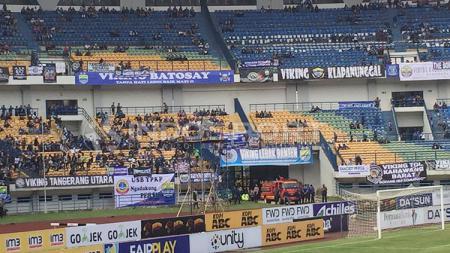 Situasi Stadion GBLA Jelang Kick Off Persib vs Persija. - INDOSPORT