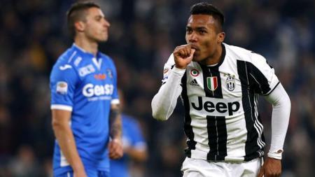 Alex Sandro, bek sayap milik Juventus. - INDOSPORT