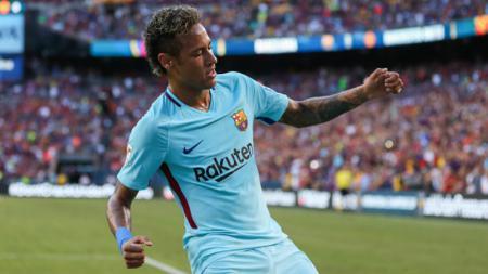 Selebrasi Neymar pasca mencetak gol ke gawang David De Gea. - INDOSPORT