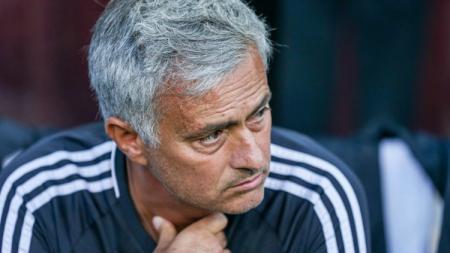 Pelatih utama Man United, Jose Mourinho. - INDOSPORT