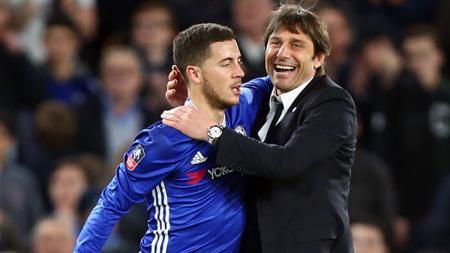 Eden Hazard dan Antonio Conte, pemain megabintang dan pelatih Chelsea. - INDOSPORT
