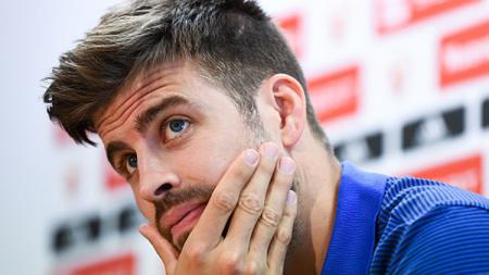 Gerard Pique dengan legawa mengakui keunggulan Real Madrid atas Barcelona. - INDOSPORT