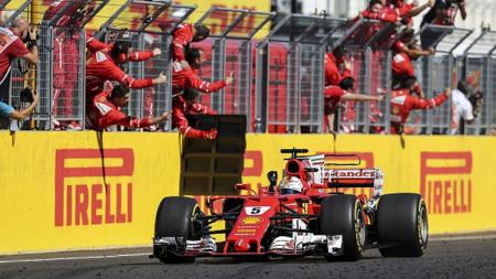 Pembalap Ferrari, Sebastian Vettel mampu menjadi yang tercepat di hari kelima tes pramusim Formula 1 (F1) 2020 yang berlangsung di Sirkuit Catalunya, Barcelona - INDOSPORT