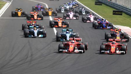 Sebastian Vettel memimpin balapan pada Formula 1 di Hungaria. - INDOSPORT