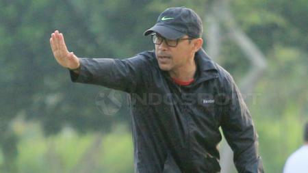 Pelatih Persela Lamongan, Aji Santoso. - INDOSPORT