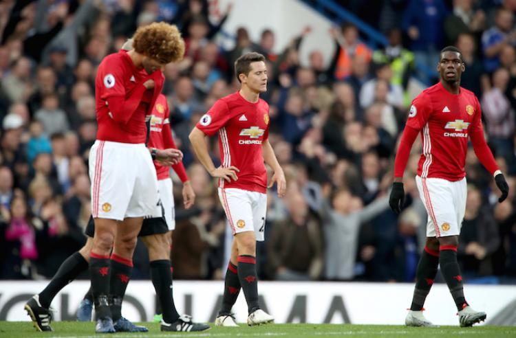 Tiga gelandang bertahan Man United, Marouane Fellaini (kiri), Ander Herrera (tengah), dan Paul Pogba. Copyright: Sportclub