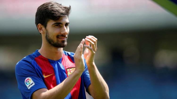 Andre Gomes, bintang muda Barcelona yang jarang dimainkan. Copyright: The Sun
