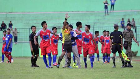 Persema 1953 vs Arema Indonesia dihentikan di menit 81. - INDOSPORT