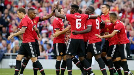 Skuat Manchetser United merayakan gol Henrik Mkhitaryan. - INDOSPORT