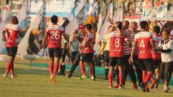 Selebrasi para pemain Madura United saat merayakan kemenangan.