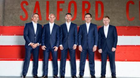 Ryan Giggs, Paul Scholes, Nicky Butt, Gary Neville, Phil Neville sebagai pemilik Salford City. - INDOSPORT