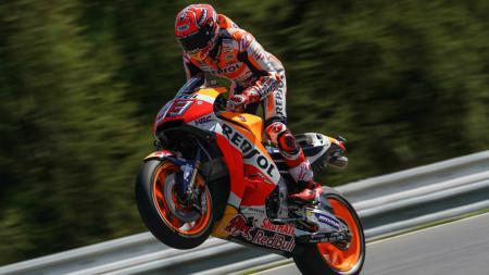 Marc Marquez, pembalap Repsol Honda, meraih pole position untuk MotoGP seri Ceko. - INDOSPORT