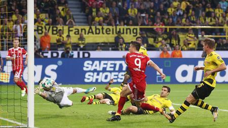 Borussia Dortmund vs Bayern Munchen dalam laga Piala Super Jerman 2017. - INDOSPORT