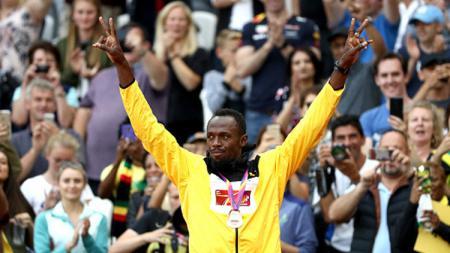 Usain Bolt menyarankan Manchester United mencarikan partner yang tepat untuk Paul Pogba agar bias bermain lebih moncer musim depan. - INDOSPORT