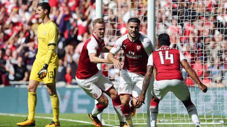 Klub sepak bola Serie A Italia, AS Roma mengincar bek kiri Arsenal yang bernama Sead Kolasinac sebagai pengganti Aleksandar Kolarov. - INDOSPORT