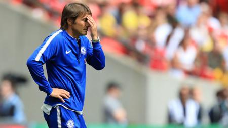 Antonio Conte diambang pemecatan dari kursi pelatih Chelsea. - INDOSPORT