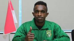 Indosport - Pemain baru Persebaya, Ricky Kayame.