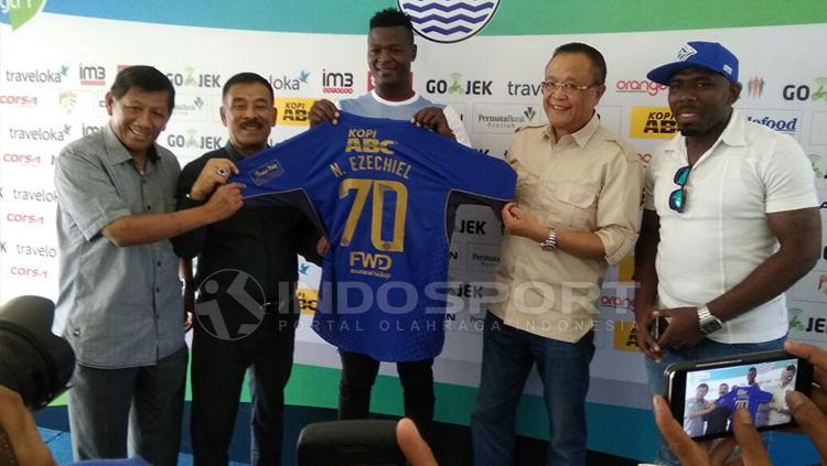 Laga Lawan Arema Jadi Debut Pelatih Baru Persib - INDOSPORT