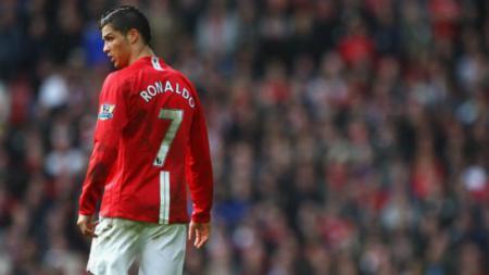 Cristiano Ronaldo ketika masih membela Manchester United. - INDOSPORT