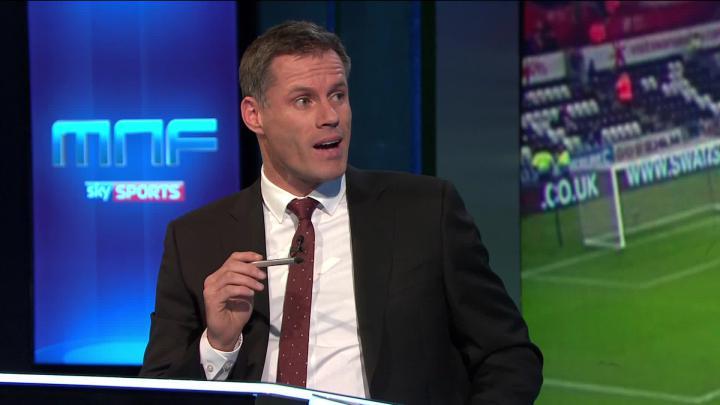 Legenda Liverpool, Jamie Carragher saat berbicar di SkySports. Copyright: SkySports