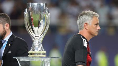 Jose Mourinho hanya melintasi gelar Piala Super Eropa yang dimenangkan oleh Los Blancos.