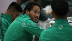Indosport - Ezra Walian saat mengikuti pelepasan Timnas Indonesia U-23.