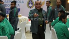 Indosport - Edy Rahmayadi saat melepas Skuat Timnas Futsal Putri dan Timnas U-22.
