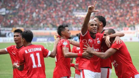 Selebrasi para pemain Persija Jakarta atas gol kedua yang dicetak Reinaldo Elias da Costa. - INDOSPORT