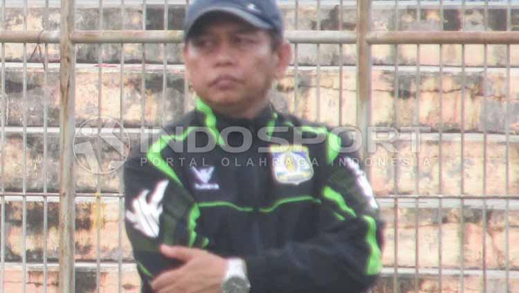 Pelatih sementara Persiba Balikapapan, Hariyadi. Copyright: Teddy Rumengan/INDOSPORT