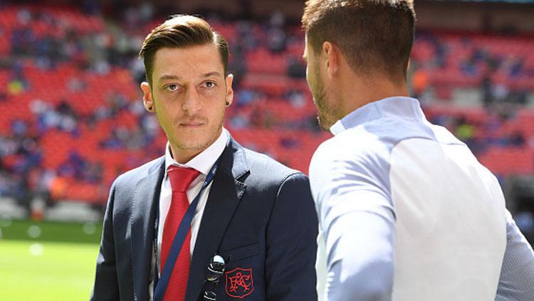Mesut Ozil (kiri), playmaker Arsenal. Copyright: INDOSPORT