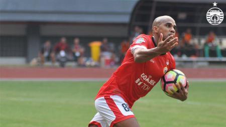 Direktur Madura United, Haruna Soemitro kini tengah mengupayakan administrasi Bruno Da Silva Lopes segera tuntas, untuk segera menjalani debut di Liga 1 2020. - INDOSPORT