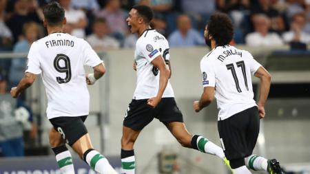 Trent Alender-Arnold, Roberto Firmino, dan Mohamed Salah. - INDOSPORT