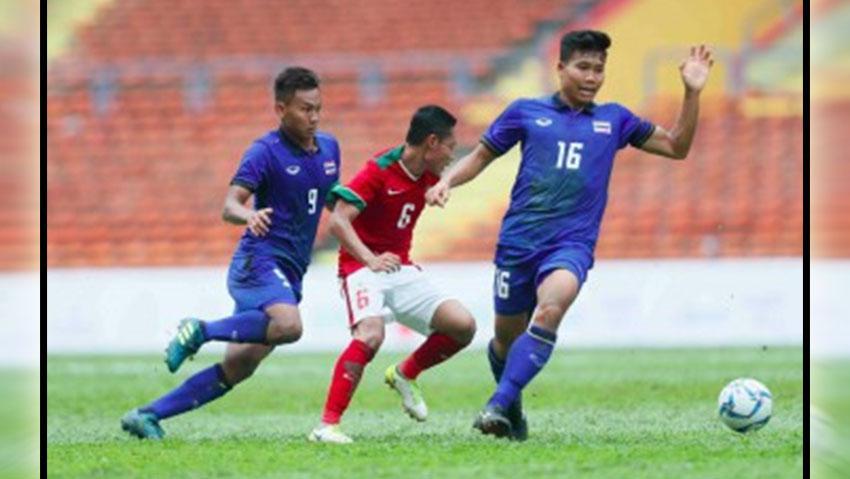 Aksi pemain Indonesia saat melawan Thailand Copyright: PSSI