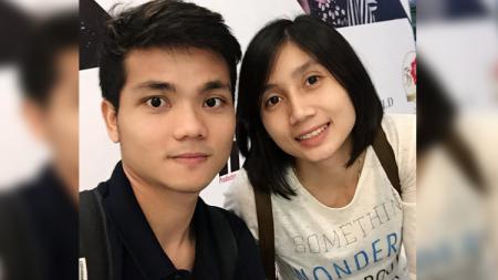 Pebulutangkis Ricky Karanda Suwardi dan kekasihnya, Rindy Puspaningrum. - INDOSPORT