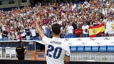 Marco Asensio saat diperkenalkan Real Madrid. - INDOSPORT