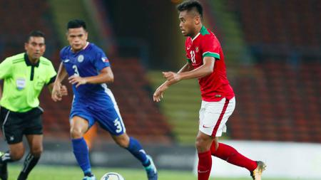 Aksi Saddil Ramdani di laga Indonesia U-22 vs Filipina U-22 - INDOSPORT