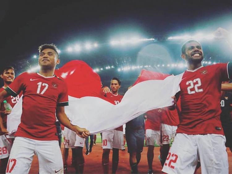 Selebrasi Saddil Ramdani dan para pemain Timnas Indonesia usai kalahkan Filipina. Copyright: Instagram @saddilramdani76