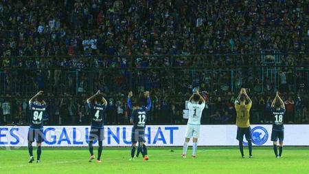 Skuat Arema FC berharap dukungan Aremania dalam setiap laga kandang. - INDOSPORT