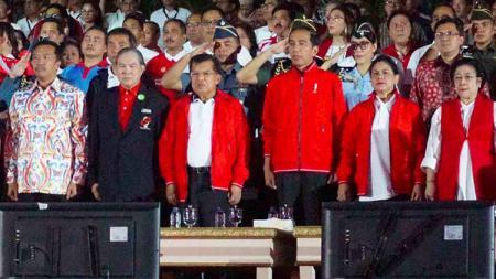 Presiden Joko Widodo dan Wapres Jusuf Kalla saat menghadiri Count Down Asian Games 2018. - INDOSPORT