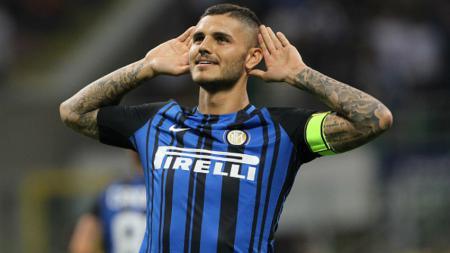 Mauro Icardi merayakan golnya ke gawang Fiorentina. - INDOSPORT