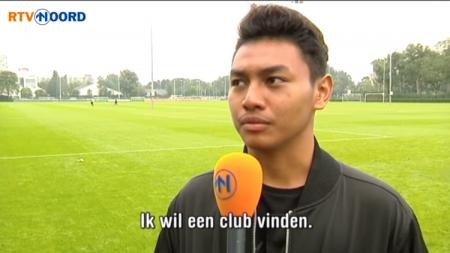 Deny Singo diwawancarai media Groningen, Belanda.