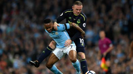 Dua pencetak gol pada pertandingan kali ini, Wayne Rooney dan Raheem Sterling. - INDOSPORT