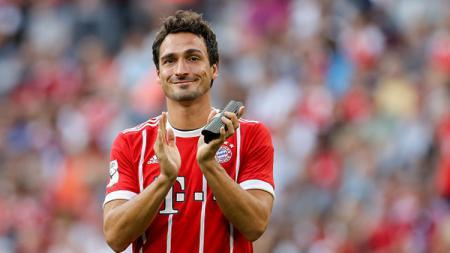 Bek Bayern Munchen, Mats Hummels, dikabarkan telah resmi kembali ke pangkuan mantan tim yang ia pernah bela, Borussia Dortmund. - INDOSPORT
