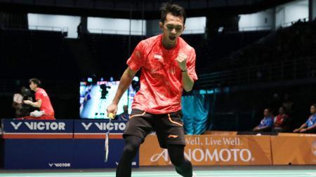 Berita sportainment: Ihsan Maulana Mustofa mendapat pujian dari pebulutangkis Thailand, Pannawit Thongnuam, yang menyebutnya superstar. - INDOSPORT