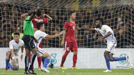 Thanabalan Nadarajah (Malaysia) saat menjebol gawang Timnas Indonesia U-22 di semifinal SEA Games 2017 (26/8/17). - INDOSPORT