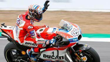 Andrea Dovizioso menjuarai Grand Prix MotoGP 2017 di Sirkuit Silverstone. - INDOSPORT