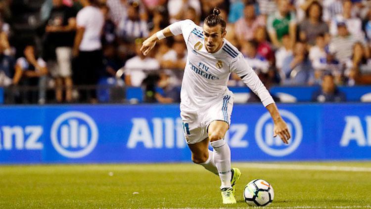 Gareth Bale saat membawa bola. Copyright: INDOSPORT
